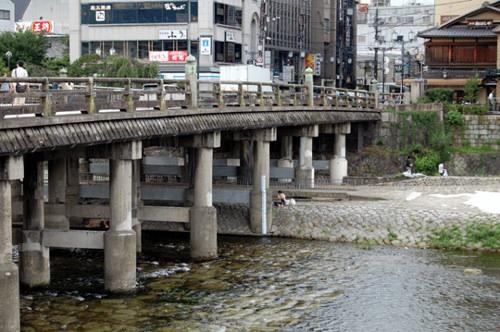大村藩の参勤交代ルート 大村藩は、大村から小倉まで徒歩、小倉から大阪までは瀬戸内海を船、京都から江戸(東京)までは東海道を歩きました。