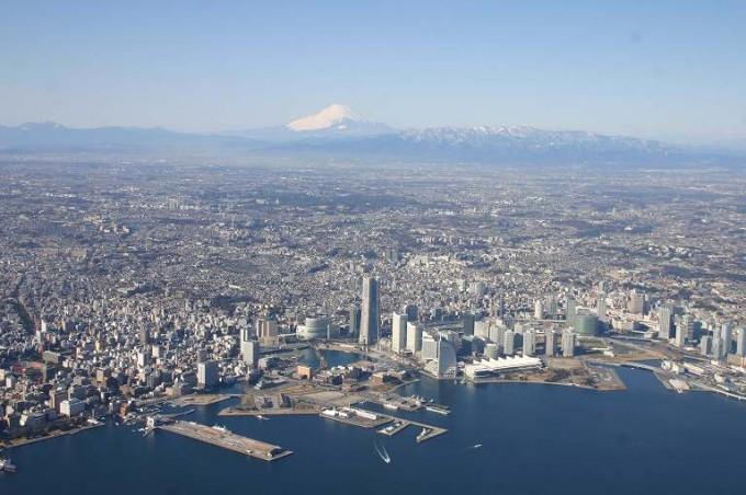 横浜市は平野が続き、高い山として、静岡県の富士山