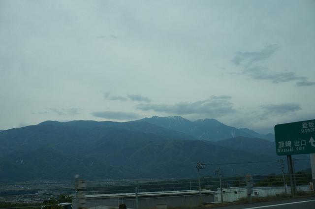 鳳凰三山:山梨県韮崎(にらさき)市から