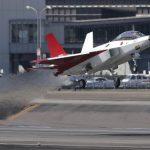 【動画あり】国産・新型ステルス機、初飛行に成功